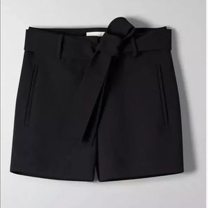 Aritzia Wilfred high rise tie front dress shorts
